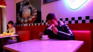 tenåring hardcore blowjob amatør russisk jeans