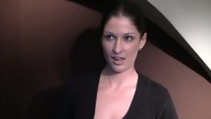 sucking brunette tenåring trekant blowjob amatør nærhet virkelighet oral