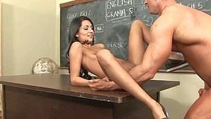 Bad surprise for a schoolgirl serving a big older shaft