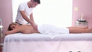 søt sexy babe barmfager massasje ass kjønn kropp