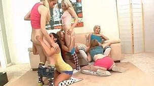 tenåring puling interracial hardcore blowjob pornostjerne stor kuk store pupper gruppesex stor rumpe