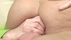 Beauty gives stud a vigorous cowgirl and wet oral-service
