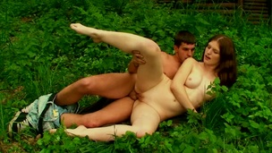 Open air environment is used by nubiles to have a fun the hawt sex